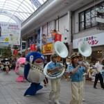 カーフリーデー2015 パレード ことちゃん ことみちゃん